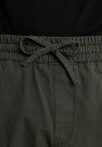 Carhartt WIP - JOGGER COLUMBIA - Cargo trousers - cypress rinsed - 5
