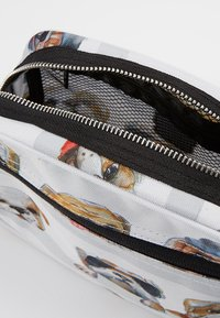 pick & PACK - DOGS - Handbag - white - 5