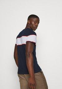 Blend - TEE - Print T-shirt - dark navy - 2