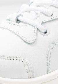 Bronx - JAXSTAR - Matalavartiset tennarit - white - 2