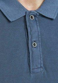 Jack & Jones - JJEWASHED - Polo shirt - navy blazer - 6