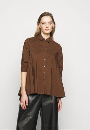 BENITA FASHIONABLE BLOUSE - Button-down blouse - espresso
