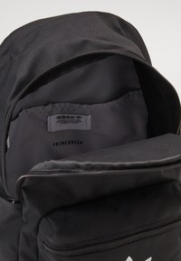 adidas Originals - SMALL ADICOLOR BACKPACK - Rucksack - black - 2
