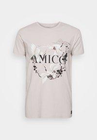 AMICCI - AVELLINO - Print T-shirt - sand - 4