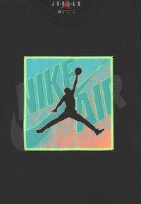 Jordan - PATCH OVER - T-shirt med print - black - 2