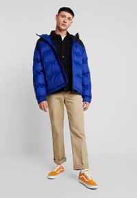 Vans - DRILL CHORE COAT - Summer jacket - black - 1