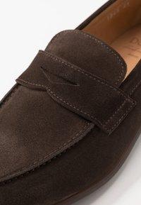 Doucal's - Scarpe senza lacci - dark brown - 5