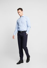 Selected Homme - SLHSLIMMARK WASHED - Formal shirt - skyway - 1