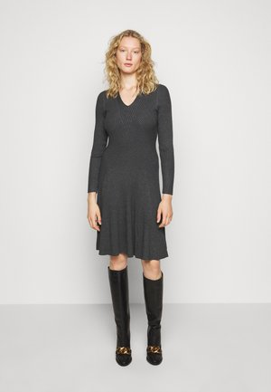 FAVORITE DRESS SPECIAL - Strickkleid - medium grey