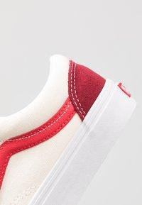 Vans - STYLE 36 - Sneakersy niskie - biking red/poinsettia - 6
