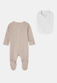 Marks & Spencer London - NEWBORN SET UNISEX - Sleep suit - opaline - 1