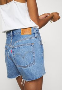 Levi's® - 501® ORIGINAL - Jeansshort - blue denim - 3