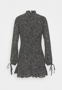 Missguided Petite - HIGH NECK ALINE DRESS LEOPARD - Day dress - black - 1