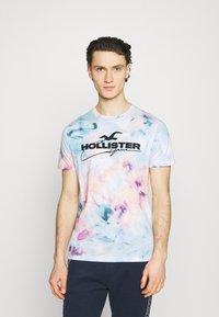 Hollister Co. - Print T-shirt - multicolo/blue - 0