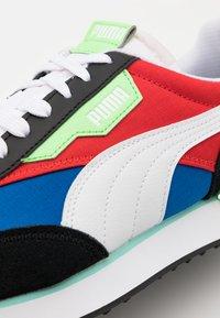 Puma - FUTURE RIDER PLAY ON UNISEX - Baskets basses - lapis blue/white/black - 5