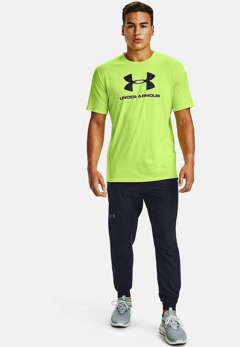 Under Armour - Print T-shirt - lime fizz