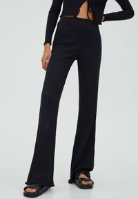 PULL&BEAR - GERIPPTE - Trousers - black - 0