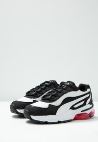 Puma - CELL STELLAR - Sneakersy niskie - white/black - 4