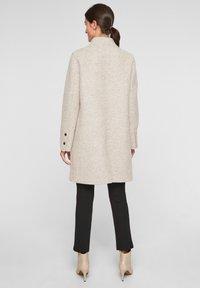 s.Oliver BLACK LABEL - Classic coat - beige - 2