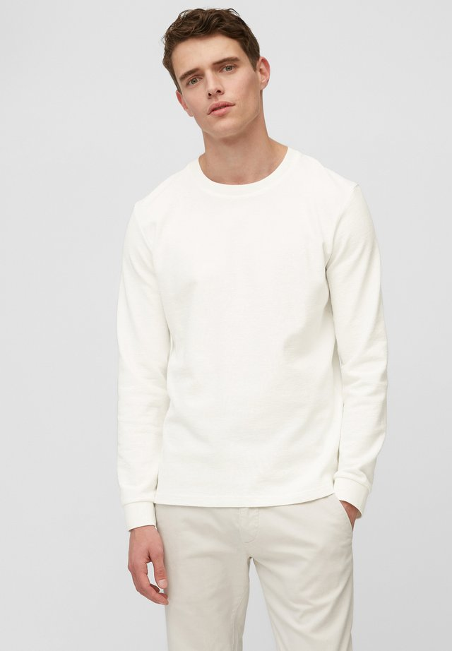 Long sleeved top - egg white