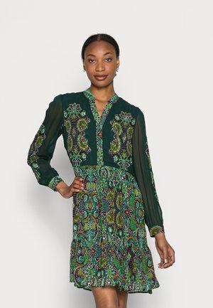 TADORNE - Košilové šaty - vert