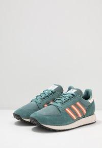 adidas Originals - FOREST GROVE - Trainers - raw green/linen/orange - 2