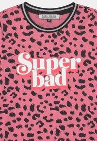 Cars Jeans - KIDS YAKIMA - T-shirts print - soft pink - 2