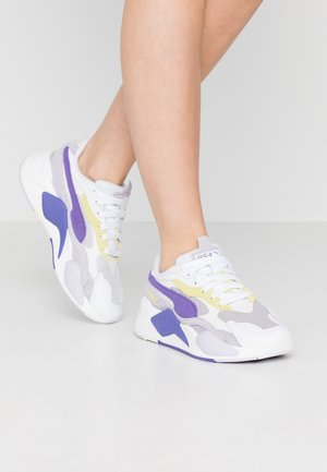 Sneakers laag - white/purple corallites