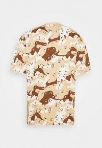 Karl Kani - T-shirt med print - sand - 7