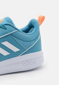 adidas Performance - TENSAUR UNISEX - Sportschoenen - hazy blue/footwear white/screaming orange - 5