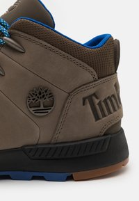 Timberland - SPRINT TREKKER MID - Lace-up ankle boots - brown - 5