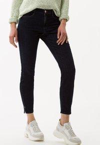BRAX - STYLE SHAKIRA - Jeans Skinny Fit - marine - 0