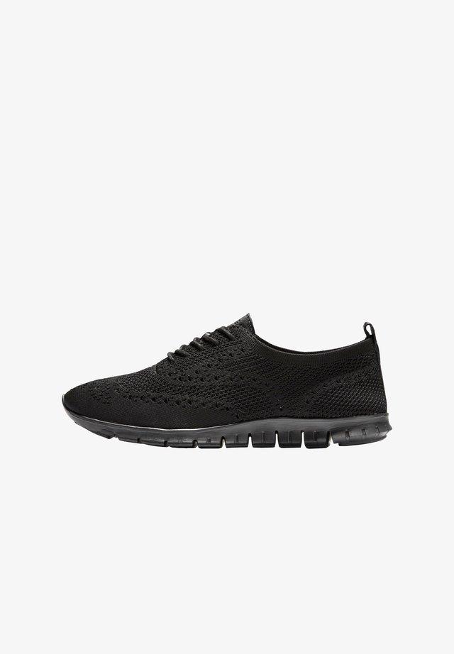 Sportieve veterschoenen - black stitchlite black