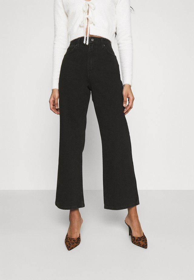HIGHWAIST - Jeans a zampa - washed black