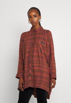 ASHLEY CHECK SHIRT DRESS - Robe d'été - orange