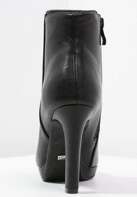 Buffalo - Kotníková obuv na vysokém podpatku - black - 3