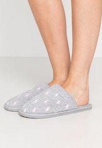 Polo Ralph Lauren - SUMMIT SCUFF  - Slippers - grey/light pink - 0