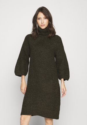 YASBRAVO ROLL NECK DRESS - Strikket kjole - black olive