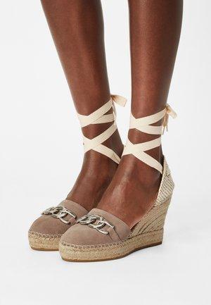 MUSA - Platform heels - taupe