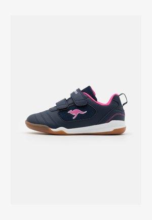 NICOURT  - Sneaker low - dark navy/daisy pink
