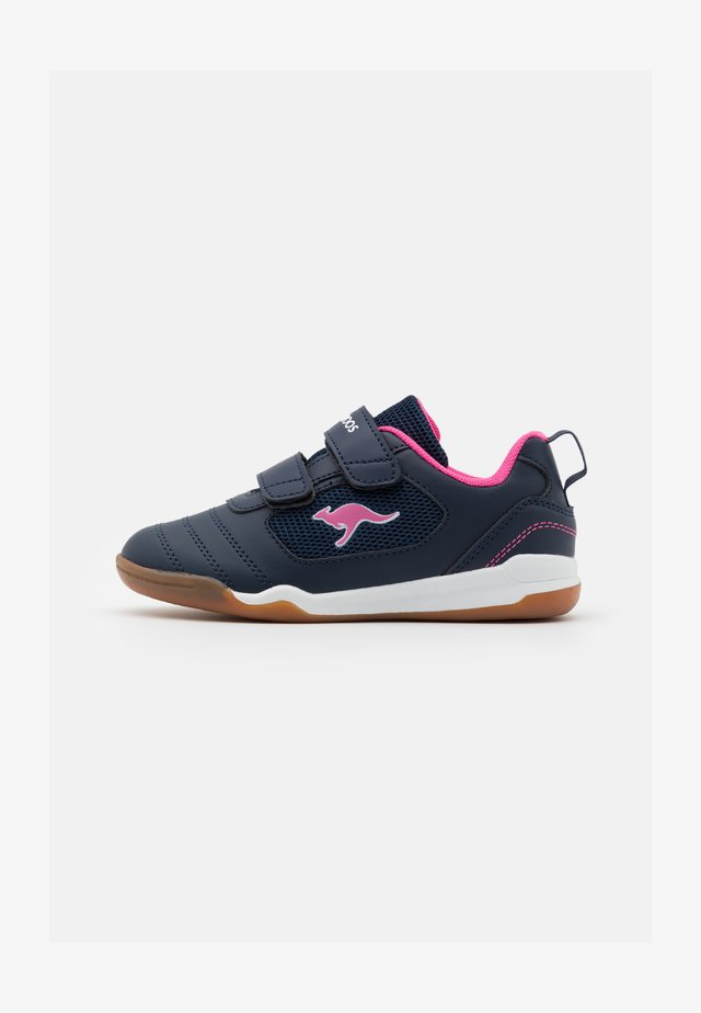 NICOURT  - Sneakers laag - dark navy/daisy pink