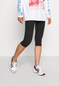 Even&Odd - 2 PACK CAPRI LEGGINGS  - Leggings - Trousers - black - 1