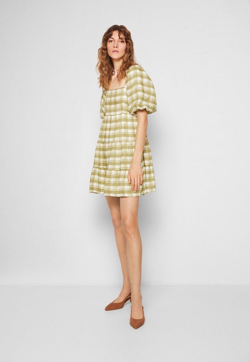 Faithfull the brand - LEILANI MINI DRESS - Denní šaty - ligne/olive