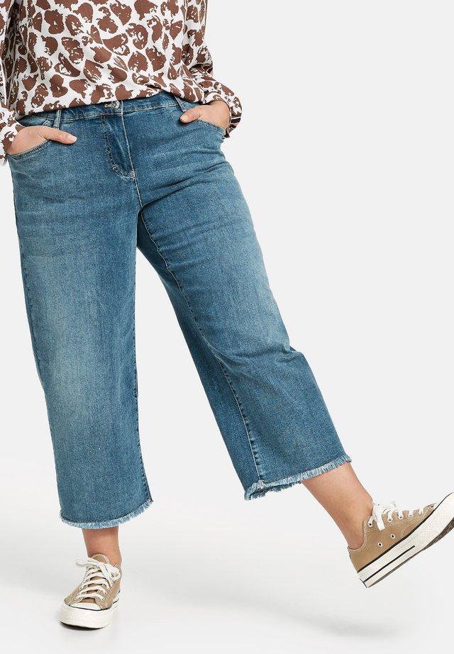 LOTTA - Denim shorts - blue denim