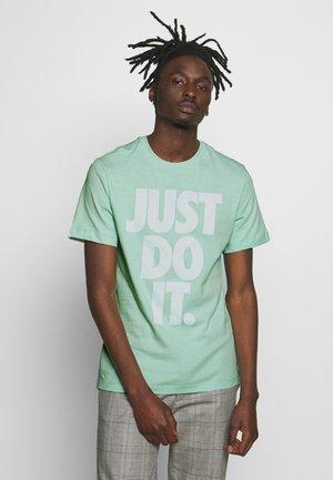 JDI WASH TEE - Camiseta estampada - pistachio frost