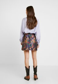 Lost Ink - BELTED SKIRT - A-linjekjol - multi/black - 2