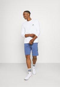 adidas Originals - ABSTRACT SHORT R.Y.V. ORIGINALS SHORTS - Shorts - crew blue - 1