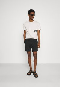 Selected Homme - SLHPETE STRING CAMP - Shorts - black - 1