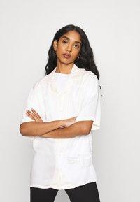 NU-IN - STEFANIE GIESINGER VINTAGE SHORT SLEEVE OVERSIZED - Button-down blouse - pink - 0