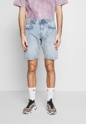 LOOSE FIT - Jeans Short / cowboy shorts - blue denim